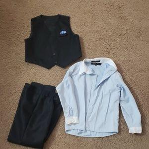 Boys suit. Size 7.
